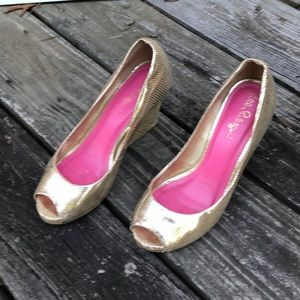 Lilly Pulitzer Resort Chic Wedge Gold open toe 6